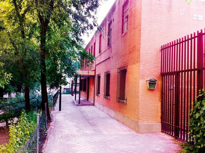 Fotografía de la fachada de La Casa Scout